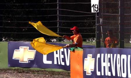 La FIA prohíbe el uso del DRS bajo banderas amarillas