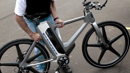 Las nuevas bicicletas eléctricas de Ford están pensadas para combinar su uso con el del coche