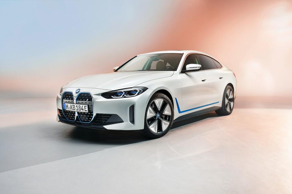 BMW i4: la primera berlina 100% eléctrica del fabricante alemán llega con 530 CV y 600 km de autonomía