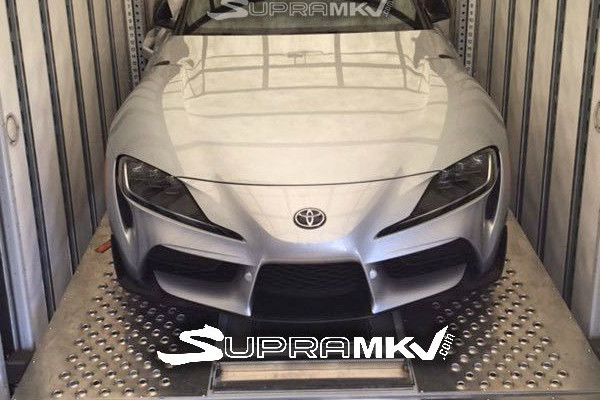¡Espiado! El Toyota Supra le pierde el miedo a la cámara... y al camuflaje