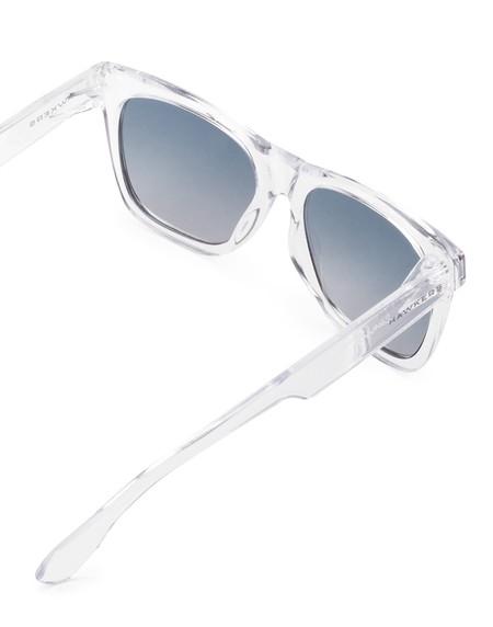 f4bf643485 Las gafas de sol que pegan con todo están en Hawkers por 21,90 euros