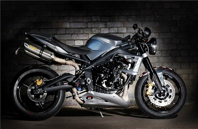 Triumph Ace 675CR