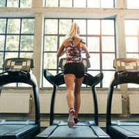 Diferentes entrenamientos para correr en la cinta del gimnasio