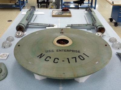 El fascinante proceso de restauración del modelo original del U.S.S. Enterprise de 1967