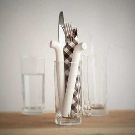 El salero y pimentero en forma de pajita para beber diseñado por el estudio Byung para DesignK