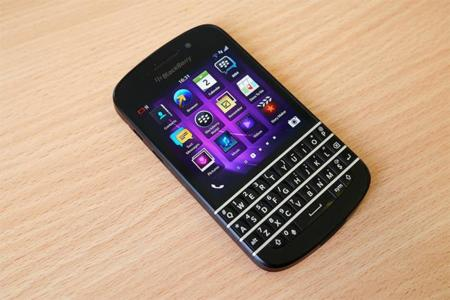 El CEO de BlackBerry pide que se obligue por ley a desarrollar apps para todos los SO