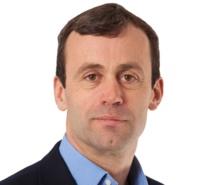 """Tim Cook insiste: """"John Browett es el mejor con diferencia"""" para dirigir Apple Retail"""