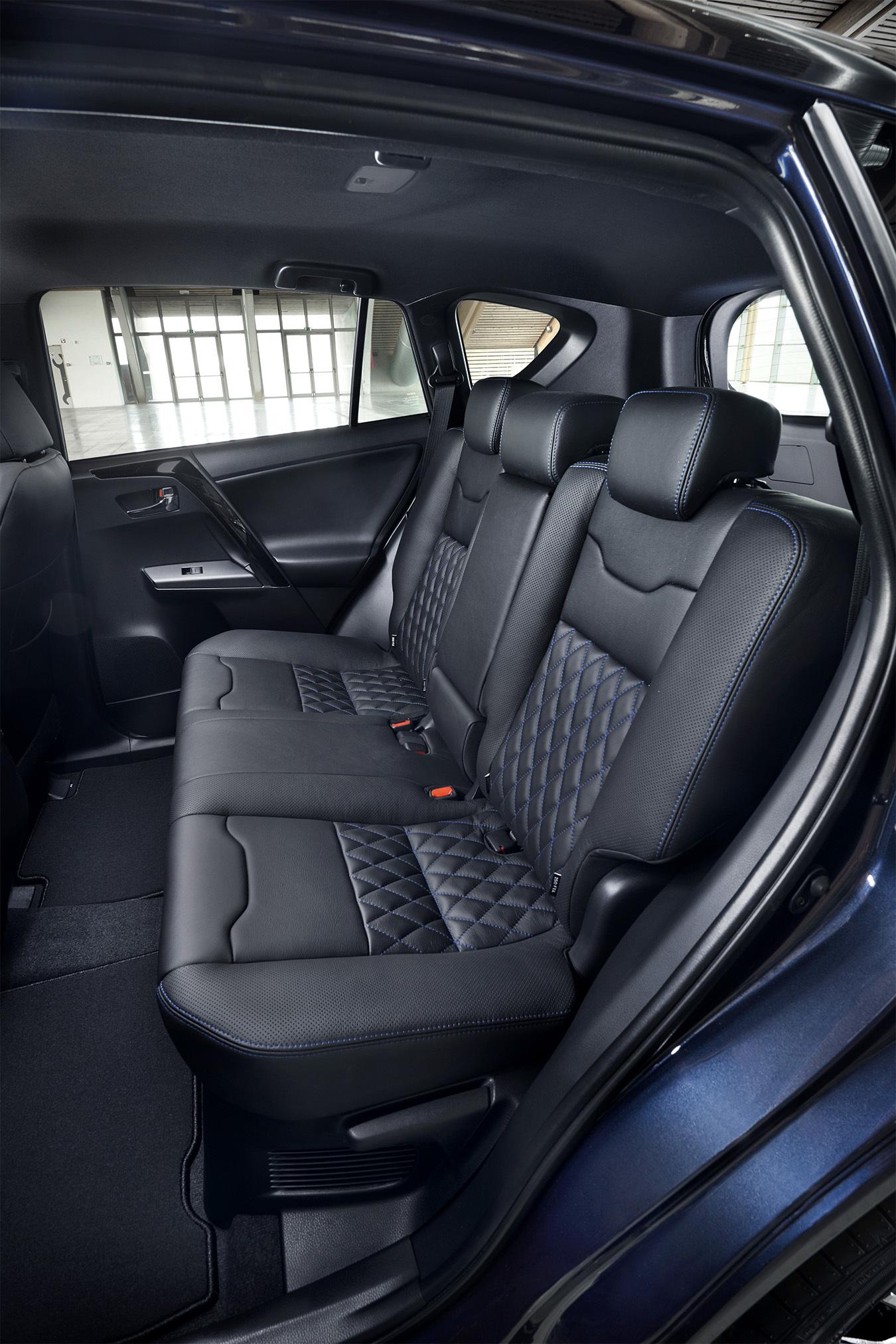 Foto de Toyota RAV4 Hybrid Sapphire (8/11)