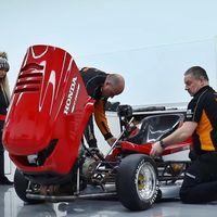 Objetivo: más de 215 km/h. El Honda Mean Mower y sus 190 CV van a por el récord del cortacésped más rápido