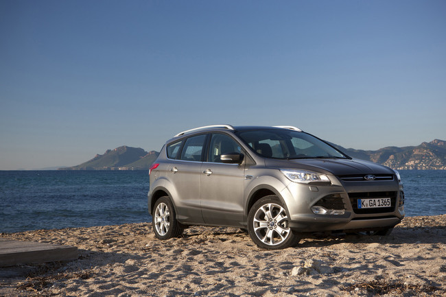 Ford Kuga 2013 en la playa
