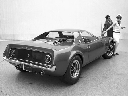 Ford Mustang Mach 2 Concept Car