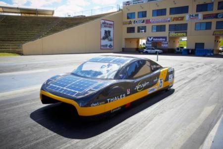 Entre tanto coche eléctrico, uno solar reclama nuestra atención: Sunswift Eve