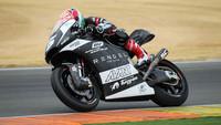 El agua amargó los tests de Moto2 y Moto3 en Valencia, Johann Zarco prometedor