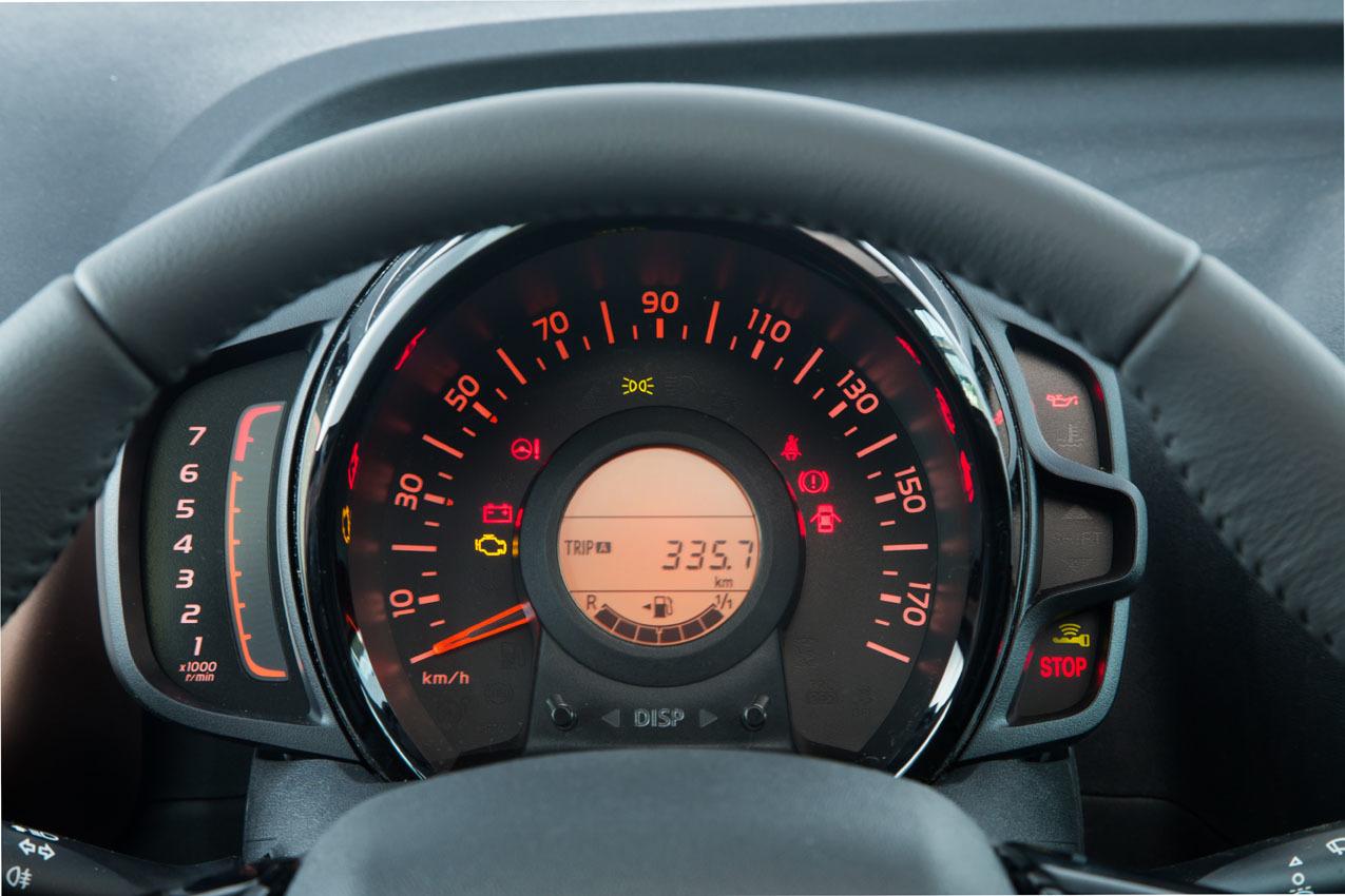 Foto de Peugeot 108 (29/35)