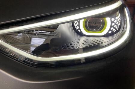 Volkswagen Golf ID.X Concept 3