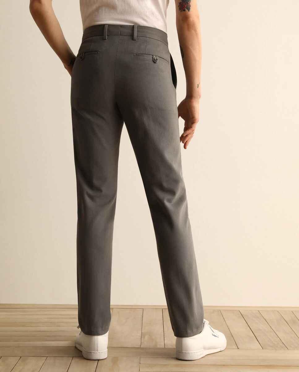Chino de la colección Black de hombre custom gris