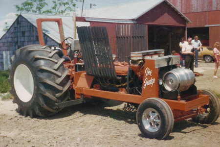 Tractor Pulling 1