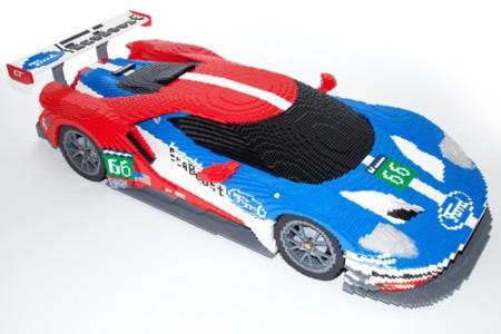 Este Ford GT de LEGO para Le Mans tiene más piezas que el coche real