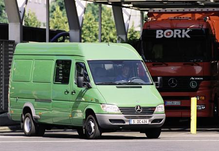 Mercedes-Benz Sprinter llega a los 25 años de vida y con una muy buena cara
