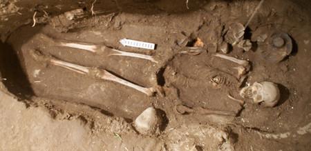 INAH descubre restos de mujer de prestigio en Teotihuacan