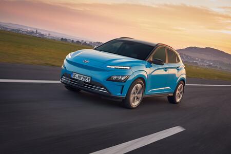 Hyundai dejará de fabricar y vender el Kona EV en su país natal, después de un retiro masivo de unidades por baterías que se incendian