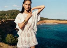 Mezcla de texturas y mucho estilo étnico en los 14 looks de la campaña de verano de Mango