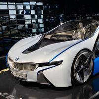 La crisis de los semiconductores pone contra las cuerdas a los fabricantes de coches: BMW y Stellantis prevén que la tensión irá en aumento
