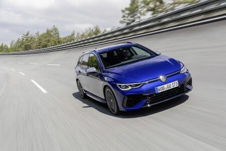 El nuevo Volkswagen Golf Variant R ya tiene precio en España y es 4.000 euros más caro que el Cupra León Sports Tourer