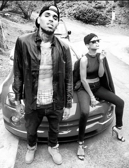 Karrueche, date por aludida: Chris Brown se ha borrado tu tatuaje