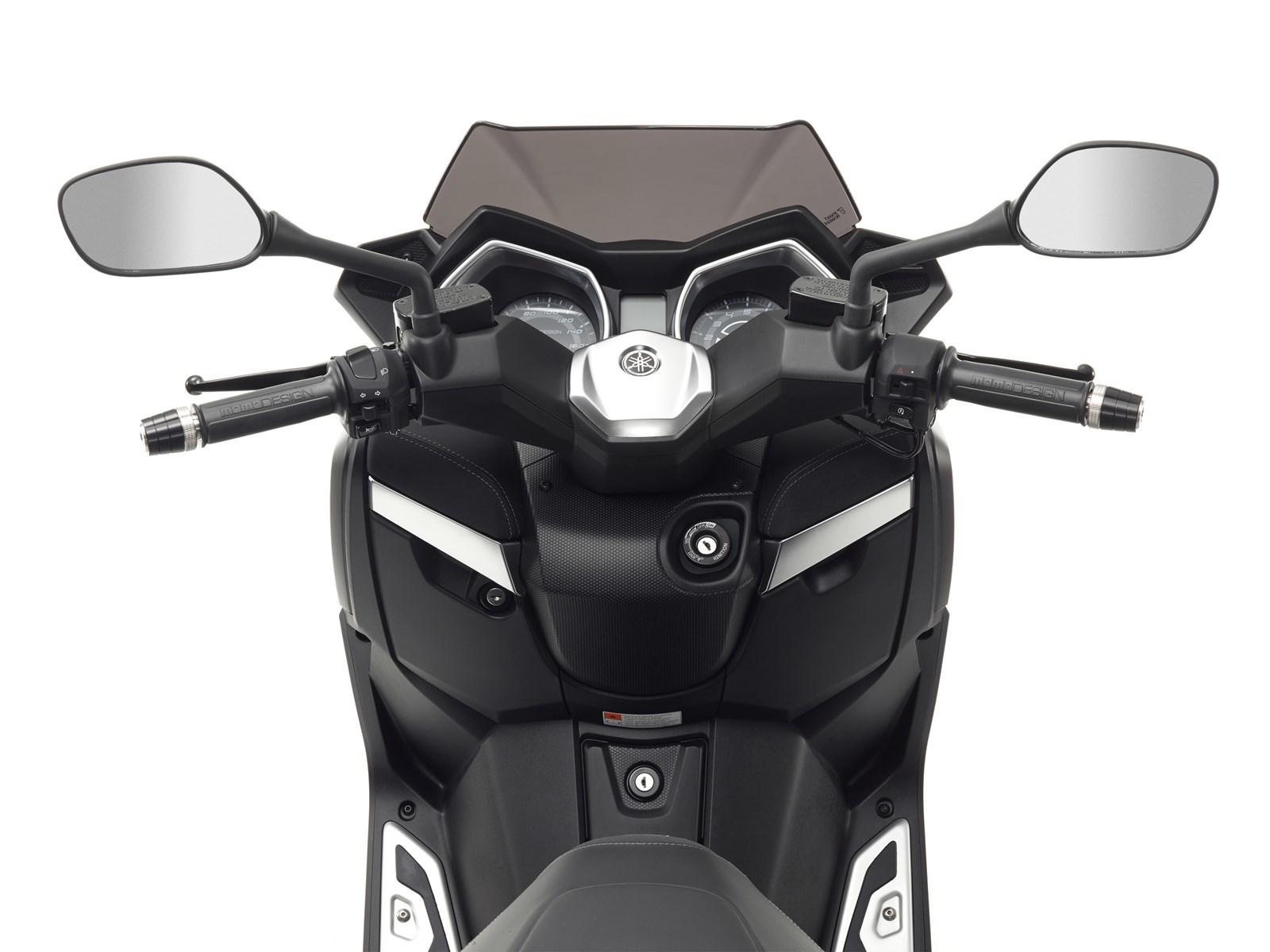 Foto de Yamaha X-MAX 400 MOMODESIGN, estudio y detalles (19/33)