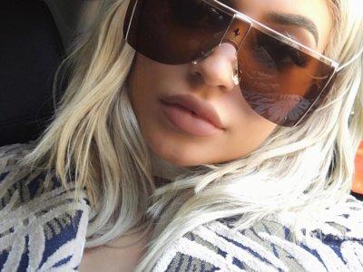 Definitivamente la Kylie Jenner rubia es el clon de Kim Kardashian