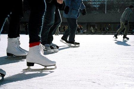 Para Navidad, Barcelona podría contar con tres pistas de hielo
