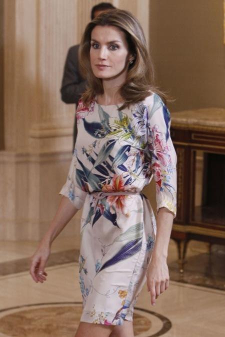 El vestido de la princesa Letizia en su encuentro con jóvenes periodistas latinoamericanos