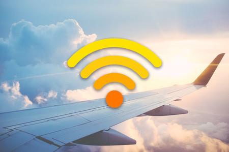 WiFi en aviones: esto es lo que ofrecen las principales aerolíneas para navegar a bordo