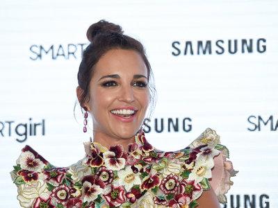 Paula Echevarría da la bienvenida al verano con un look muy floral