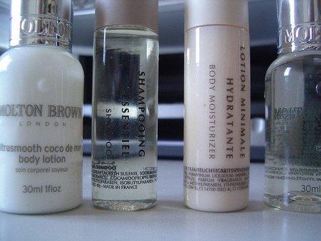 Tengo decenas de muestras de cosmética. ¿Cómo las utilizo eficazmente?