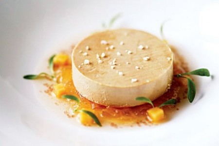 [Vídeo] Protestas frente a embajada francesa para pedir el fin de la producción de foie gras