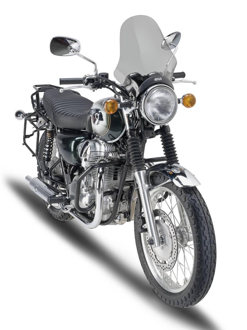 Foto de GIVI mantiene el toque de los años 60 en la Kawasaki W800 (4/6)
