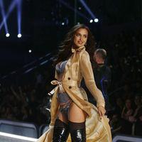 Irina Shayk se convierte en la primera modelo que desfila embarazada para Vitoria's Secret
