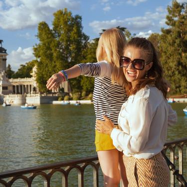 El horario para pasear con los niños cambia en la Comunidad de Madrid, con el fin de evitar las horas de más calor