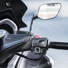 Foto 26 de 34 de la galería yamaha-tmax-sx-sport-edition-2018 en Motorpasion Moto