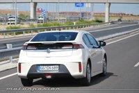 El Opel Ampera podría permitir elegir cuándo funcionar con electricidad y cuándo con gasolina
