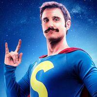 'Superlópez': Dani Rovira se transforma en el superhéroe creado por Jan en un eficaz entretenimiento