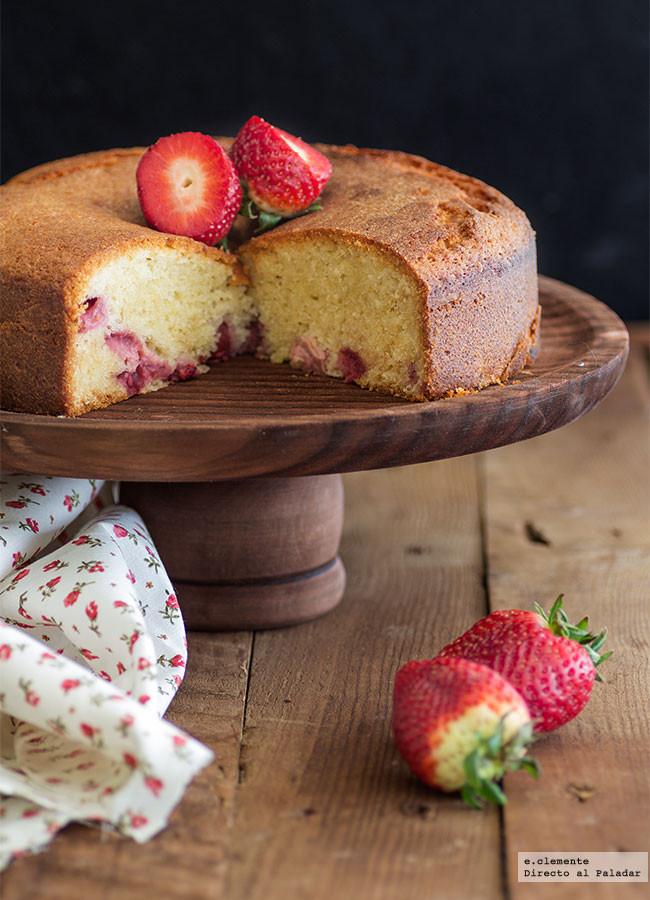 Bizcocho de fresas y nata: receta para aprovechar esta fruta de temporada