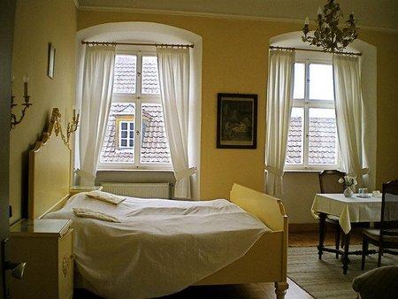 ¿Cuáles fueron los objetos olvidados durante 2010 en los hoteles europeos?