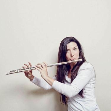 """""""Aprender música juntos refuerza el vínculo entre padres e hijos"""" Entrevista a la profesora del método Suzuki Laura Dudley"""