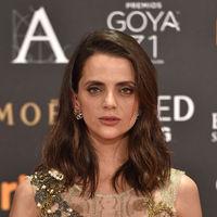 Macarena Gómez apuesta por los tonos dorados en los Premios Goya 2017 (pero no logra brillar)