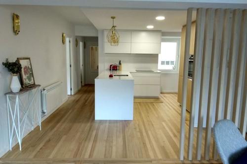 La casa de Irene, una reforma aparentemente sencilla con un resultado en abierto muy encantador