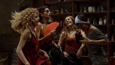 La Casa De Papel Temporada Cuatro Chicas Bailando