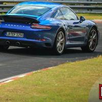 El renovado Porsche 911 se deja ver en Nürburgring